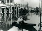 Flood-1912-man-in-pirogue